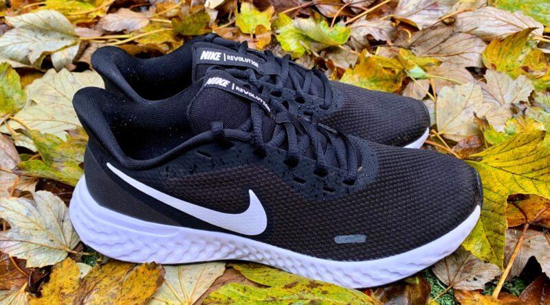 Recensione delle scarpe da corsa Nike Revolution 5